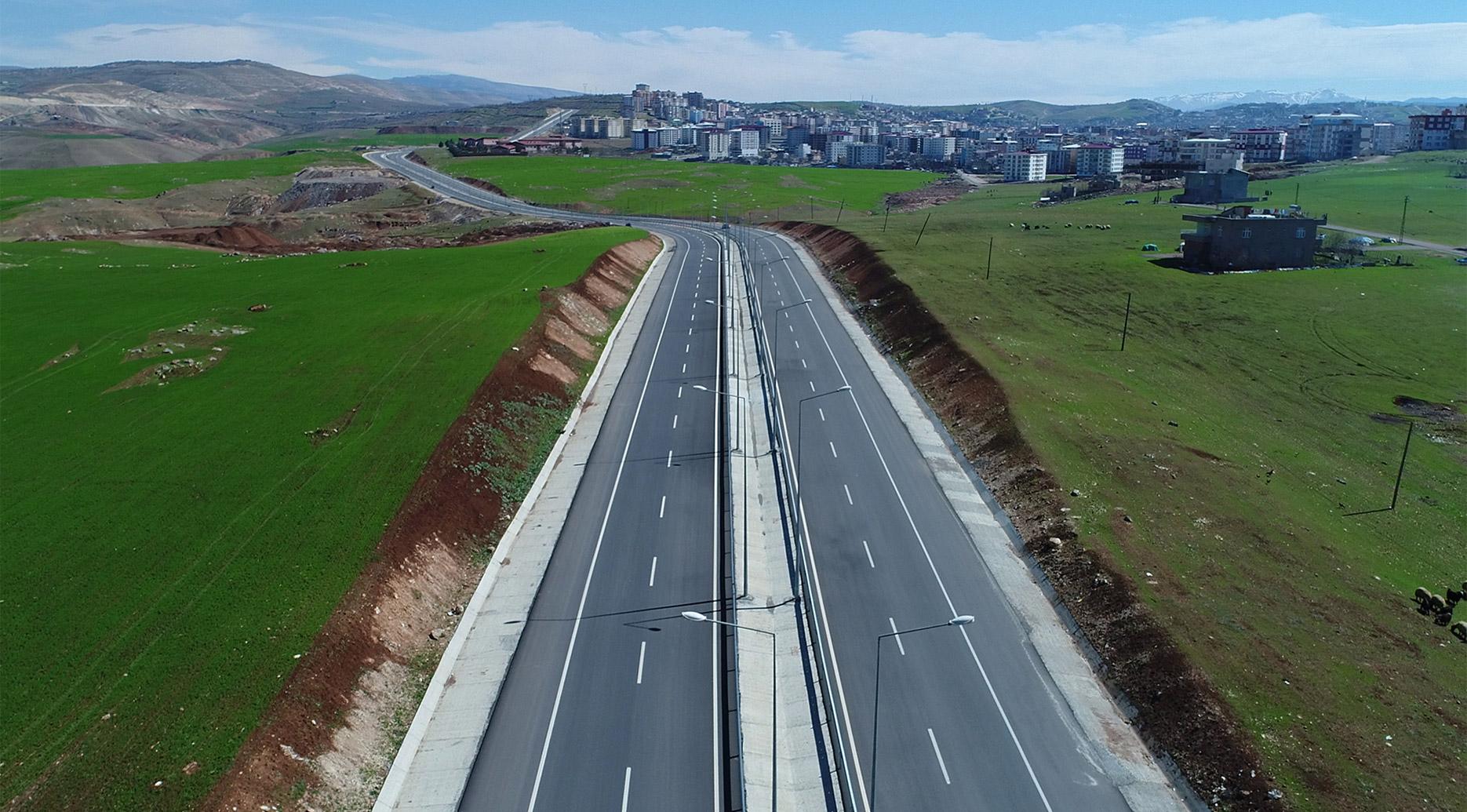 Siirt Trafiğini Rahatlatacak Siirt Çevre Yolu ve Tillo Kavşağı'nda Ölmez İnşaat İmzası